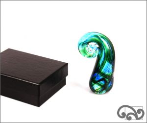 Glass koru
