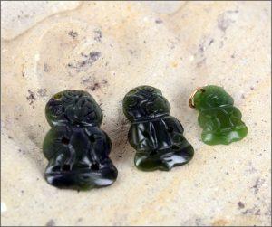 Medium greenstone tiki pendant